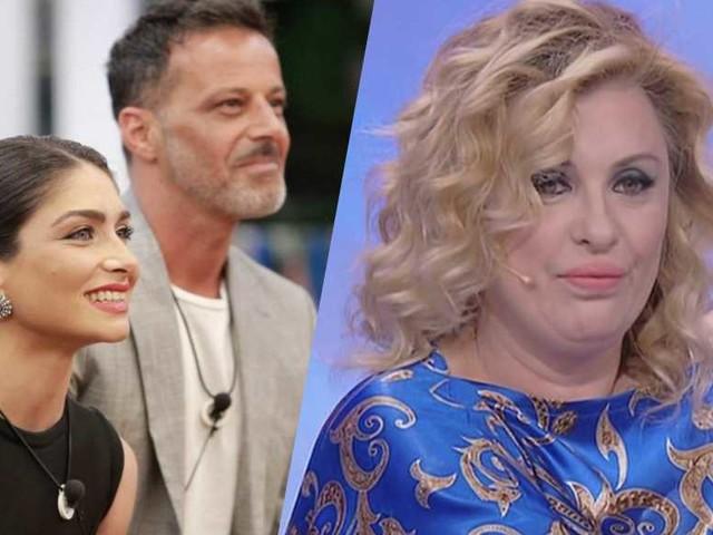 """Tina Cipollari commenta il bacio tra Kikò e Ambra: """"Mi ha fatto uno strano effetto, lei non sarà mai me"""""""