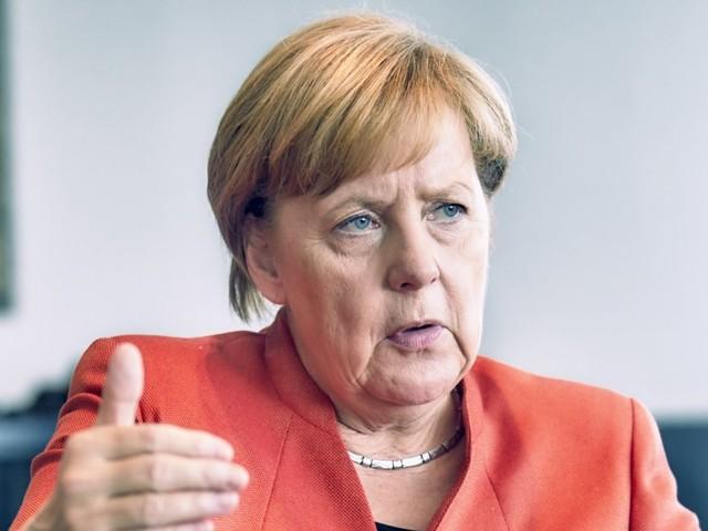 """""""Non credo nel reddito di cittadinanza"""". Intervista HuffPost/Focus alla cancelliera tedesca Angela Merkel"""