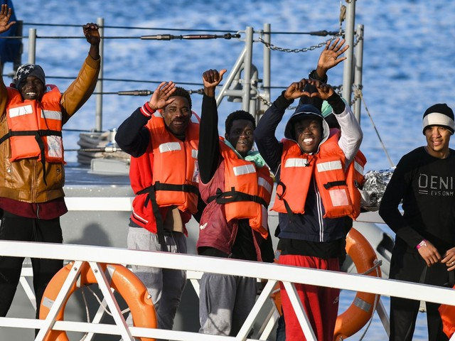 In Europa aumentano gli arrivi, ma i migranti ora scelgono la Spagna