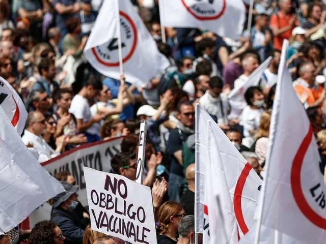 """""""I No Vax non hanno un modello etico""""/ Polito: """"solo col Green Pass c'è libertà"""""""