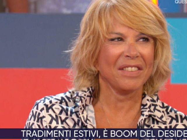 """Anna Pettinelli/ """"Sui social attaccano me e il mio fidanzato"""" (S'è fatta notte)"""