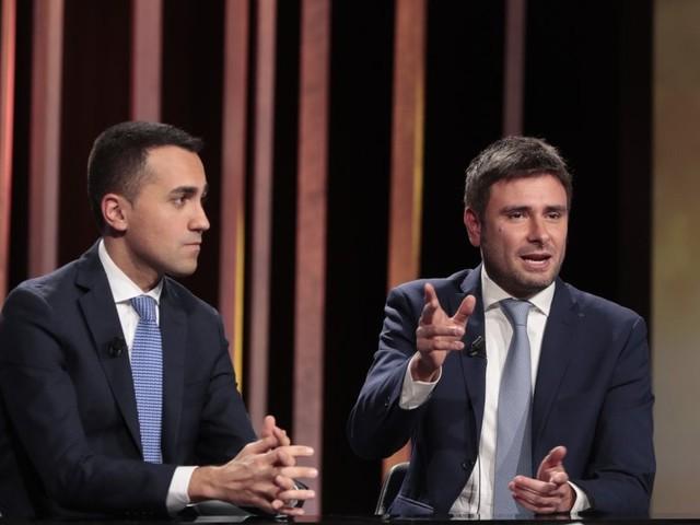 """M5S, Di Maio: """"Chi critica destabilizza il Movimento e il suo peso nel governo"""". E il blog attacca Landini"""