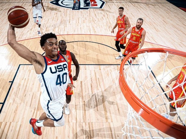 NBA, che impatto Keldon Johnson: Team USA batte la Spagna e si prepara per Tokyo
