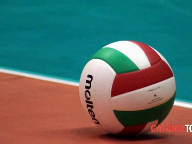 Volley, Saturnia Aci Castello: un tesserato positivo al Covid, slitta esordio in campionato