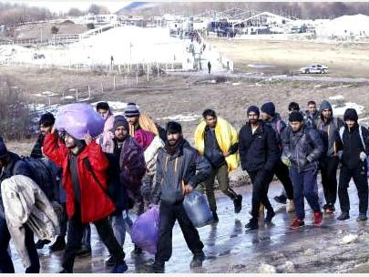 Bosnia, il dramma dei migranti nei campi al confine croato Accuse alla Ue: diritti negati