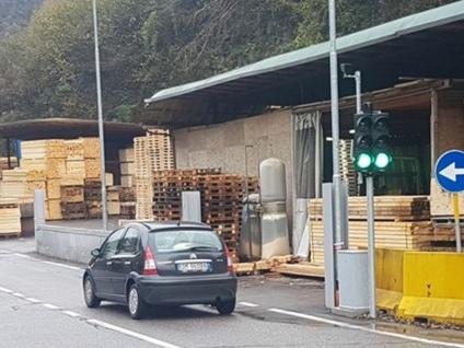 Semaforo rosso-stop in Valle Rossa «Niente multe, ma serve sicurezza»