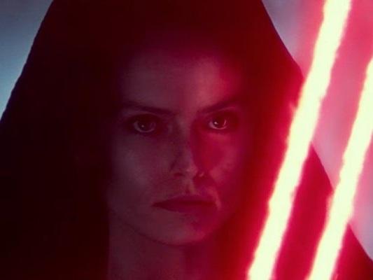 """Star Wars: L'Ascesa di Skywalker, J.J. Abrams: """"Il legame di Rey con la Forza non è un caso"""""""