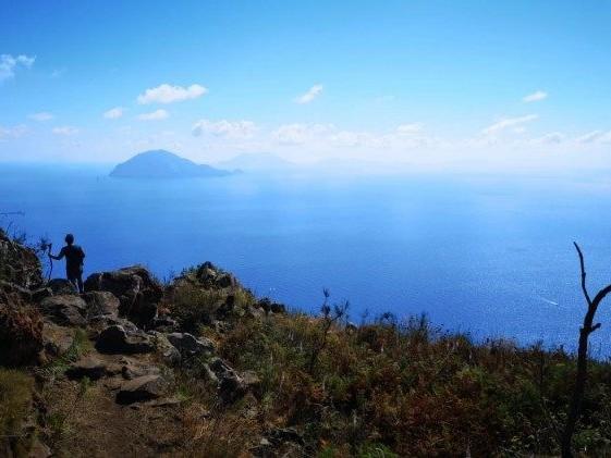 Terremoto alle Eolie, scossa di magnitudo 3.5 al largo delle isole. La terra trema in Romagna