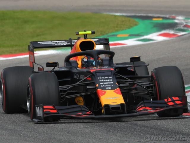 F1, GP Brasile 2019: risultati e classifica FP1. Albon primo sul bagnato, Vettel 3°, Leclerc 4°. Verstappen e Hamilton ai box