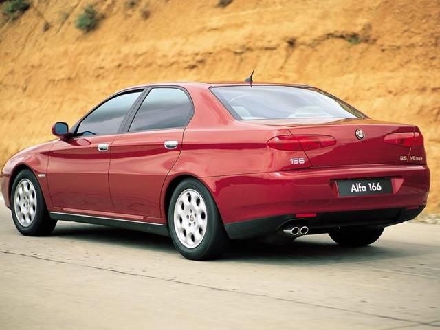 Alfa Romeo: la grande berlina resta un sogno