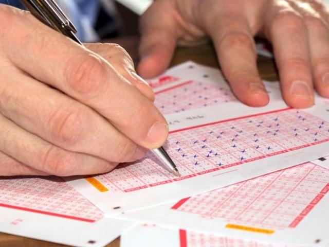 Lotto e Superenalotto, estrazioni di Oggi martedì 15 ottobre 2019: numeri e combinazione vincente
