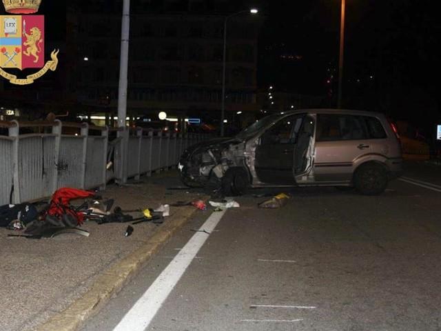 Famiglia travolta da auto sul marciapiede: morto nonno, ferite due donne e un bimbo