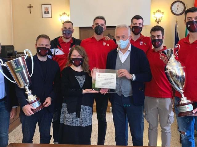 Lube Civitanova, la festa scudetto arriva in Comune: il sindaco riceve i campioni (FOTO)
