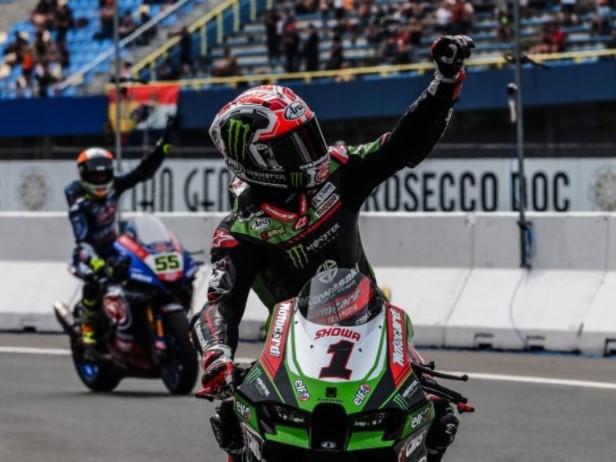 Superbike Assen: Gerloff stende Razgatlioglu, Rea domina con Locatelli a podio