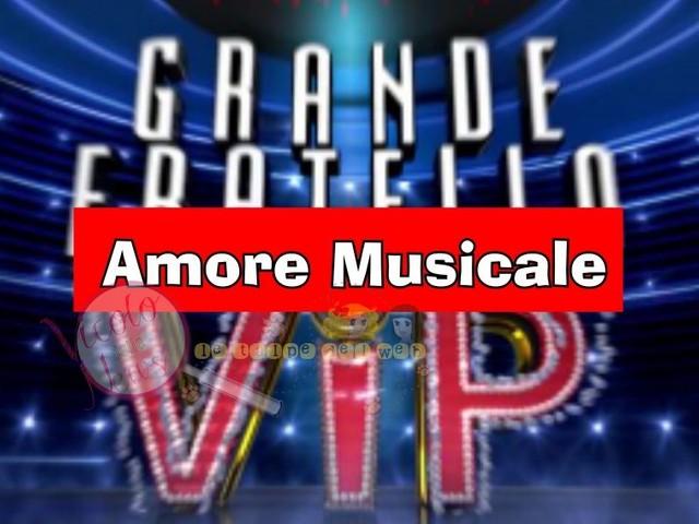 'Grande Fratello Vip' Ex gieffina sponsorizza l'ultima fatica del suo celebre fidanzato cantante. Vi piace?