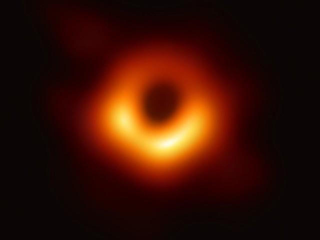 Buco nero. Specola Vaticana: l'universo svela sempre più i suoi segreti