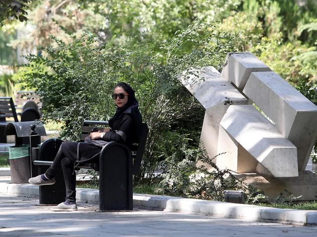 Iran, cella fino a 10 anni per i video senza hijab