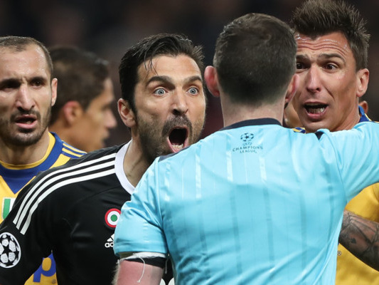 NienteVarin Europa League eChampions, taglia corto Collina