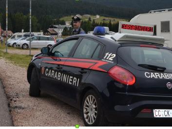 Senza patente, revisione e Rca: auto sequestrata e multa di 1.300 euro