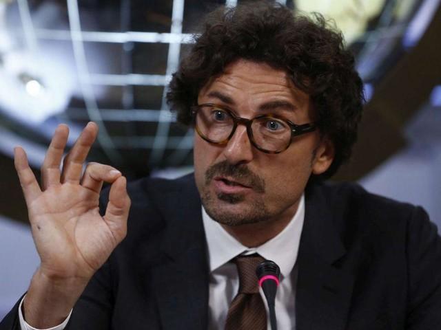 Toninelli e la gaffe sul tunnel del Brennero: sui social scoppia l'ironia
