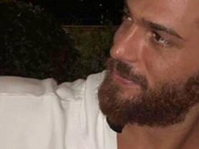 L'attore Can Yaman dopo l'arrivo a Roma afferma sui social: 'Le sorprese non sono finite'