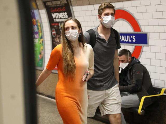 Caos nel conteggio dei contagiati in Gran Bretagna