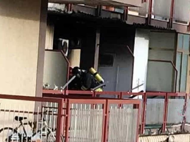 In fiamme un condizionatore in un appartamento, paura in Corso Calatafimi