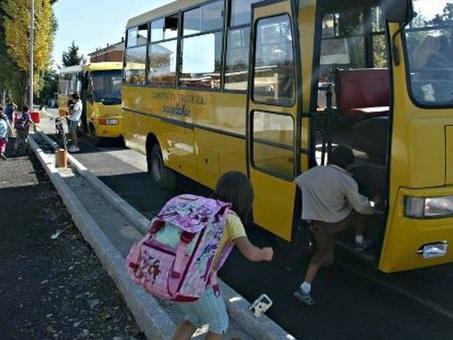 Belluno. Padre aggredisce l'autista dello scuolabus: ?Aspetti mia figlia?