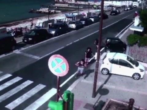 Bari, bulli in manette: picchiarono un 15enne mentre andava al mare
