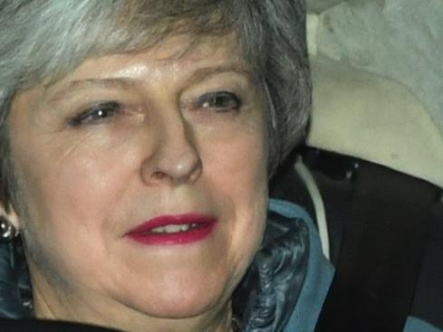 """Brexit, May è stata di nuovo sconfitta in parlamento. Si rischia il """"no deal"""""""