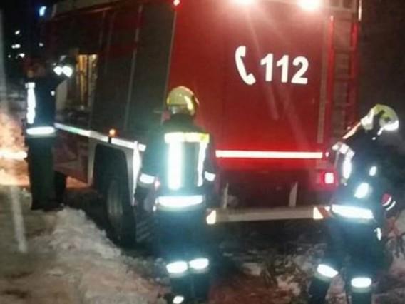 Giovane mamma muore e il suo bimbo è grave per un incendio a Fleres