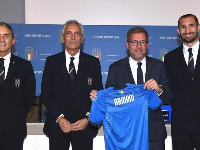"""Armani veste la Nazionale """"Sono felice, torno al calcio"""""""