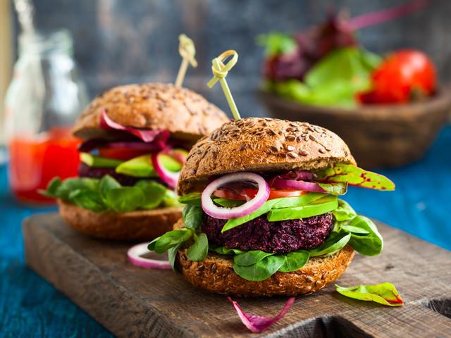 Burger di quinoa e verdure di stagione