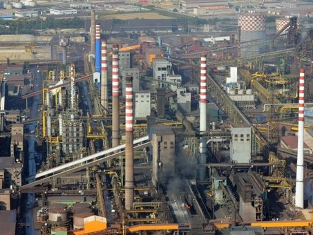Ex Ilva, sindacati: incendio al reparto due, fiamme altissime all'ArcelorMittal
