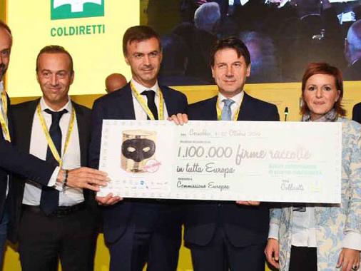 Raccolta firme da record con Coldiretti: 1,1 milioni in tutta Europa per l'origine in etichetta
