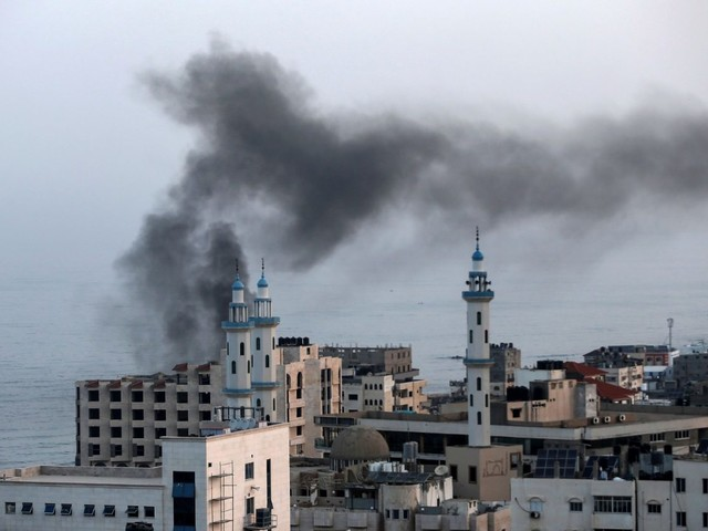 Gaza: lancio di razzi sul sud di Israele che risponde con i raid