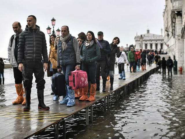 Venezia, acqua alta anche domani: chiuse le scuole