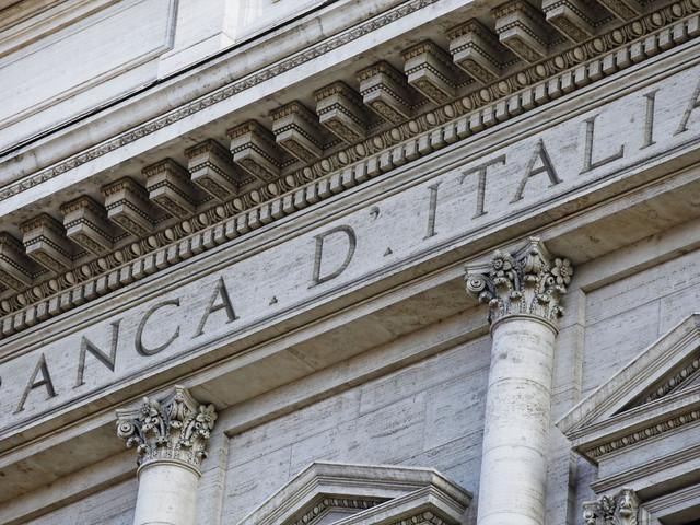 Italia, il debito pubblico torna a crescere