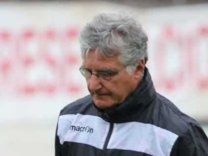 Contatto e tensione tra i tifosi. Il derby Varese-Como finisce 0-1