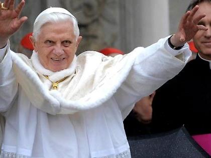 Coronavirus, paura per Ratzinger: il Vaticano aumenta i controlli nella residenza dell'ex Pontefice