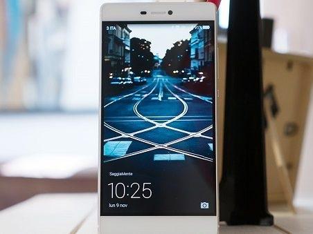 Resuscita Huawei P8 con aggiornamento B520: le quattro novità segnalate