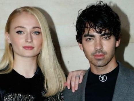 Joe Jonas e Sophie Turner si sono sposati, nozze a sorpresa per la star de Il Trono di Spade dopo i Billboard 2019
