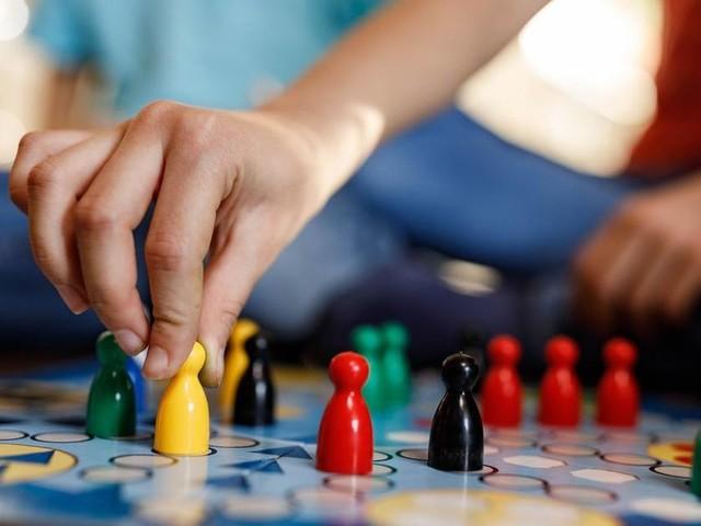 Giochi da tavolo: piacciono ai bambini e servono agli adulti