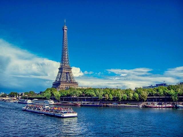 Vinci un viaggio a Parigi per due persone