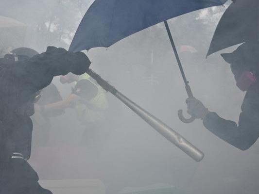 """Per Xi Jinping, riportare l'ordine è """"il compito più urgente"""" per Hong Kong"""