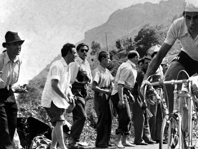 Fausto Coppi, 100 anni va nasceva il 'Campionissimo': dal Giro del '40 al Tour del '52, cinque corse che lo hanno reso leggenda