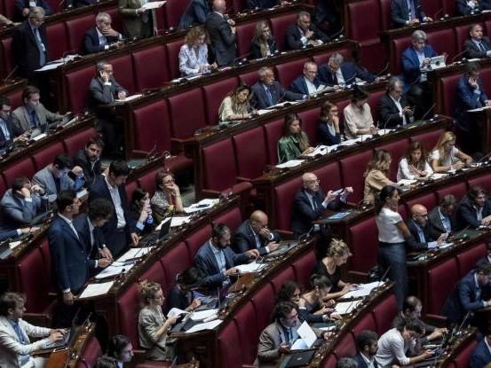 I franchi tiratori nascosti adesso scuotono il governo