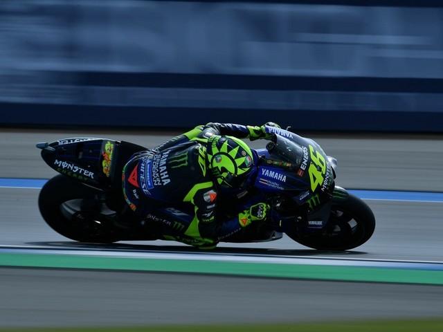 LIVE MotoGP, GP Thailandia 2019 in DIRETTA: pole di Quartararo su Vinales e Marquez, 9° Valentino Rossi con caduta