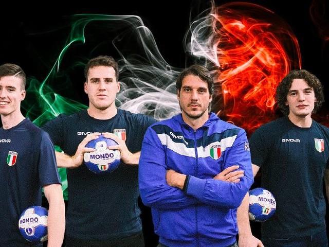 Pallamano Cassano, 6 atleti amaranto si tingono d'azzurro
