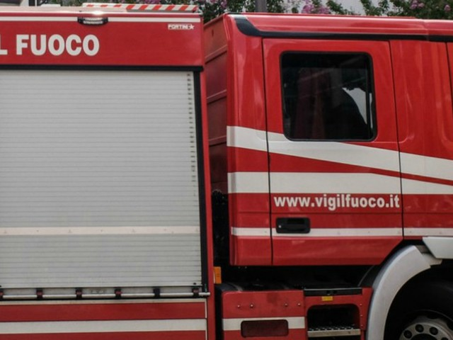 Fermo, esplosione in un distributore di benzina: muore un operaio di 29 anni